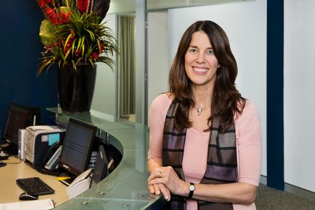 Dr Elisabeth Elder